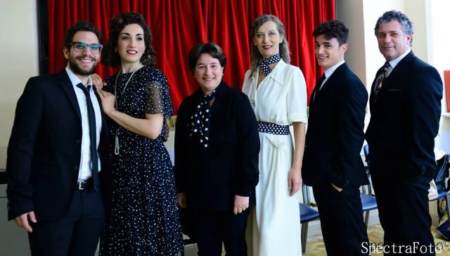 Da sinistra verso desta, Emiliano Barrella, Clelia Liguori, Susanna Canessa, Monica Doglione, Francesco Canessa jr. e Brunello Canessa
