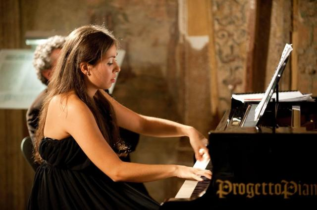 Laura Cozzolino