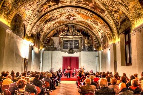 La sala Sisto V del Complesso di San Lorenzo Maggiore in cui si terrà il concerto