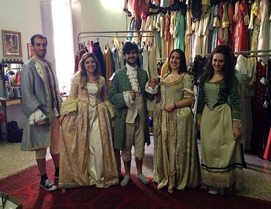 Costumi di scena Festa Teatrale