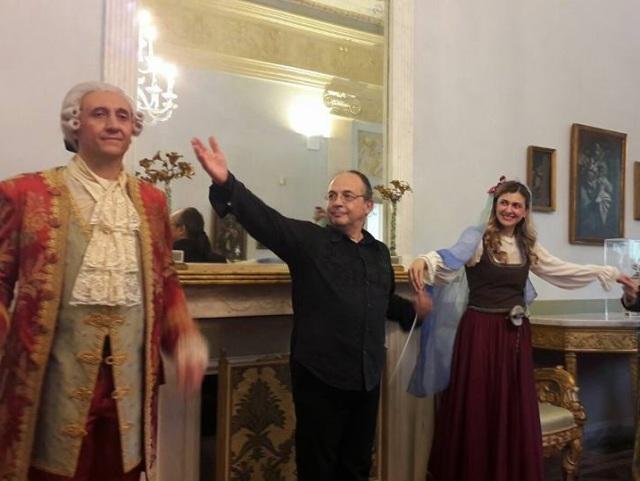 Il maestro Ivano Caiazza fra il basso Antonio De Lisio e il soprano Ilaria Iaquinta