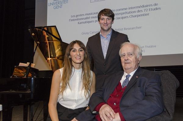 Giusy Caruso con il Maestro Jacques Charpentier e, al centro il direttore del Conservatorio di Carcassonne Florent Mamet